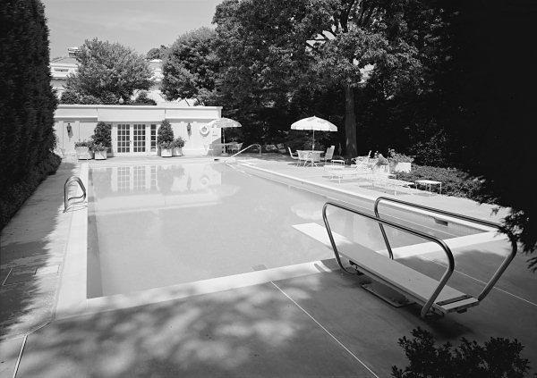 Datos y hechos interesantes sobre la nataci n for La piscina 1969